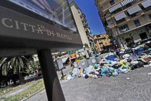 1600 ton śmieci na ulicach Neapolu