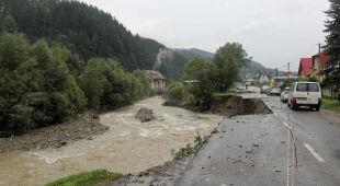 Tatrzański krajobraz po ulewach. Jest bardzo niebezpiecznie (Fakty TVN)