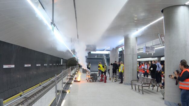 Ogień i dym na stacji Szwedzka. Ostatnie testy strażaków w metrze