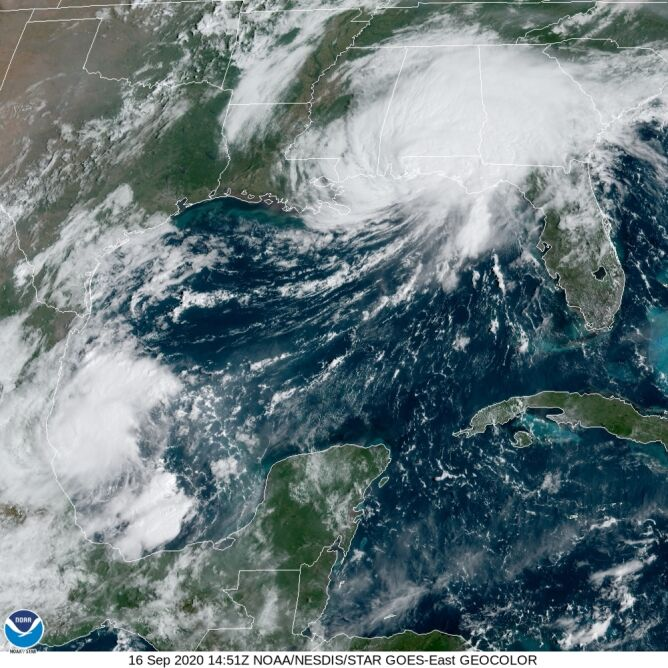Zdjęcie satelitarne huraganu Sally (NOAA)