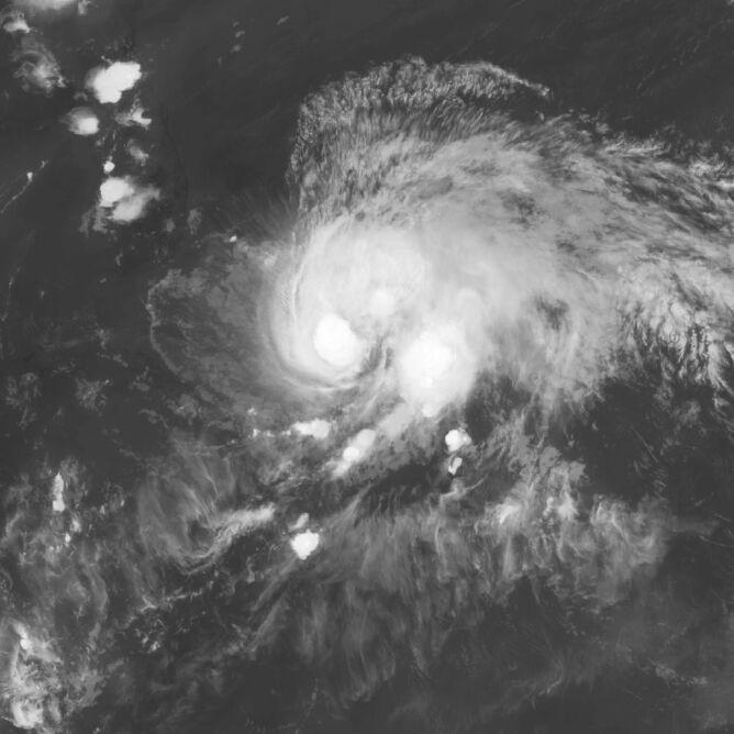 Zdjęcie satelitarne huraganu Isaias z 28 lipca (NASA)